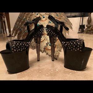 Shoes - Pleaser spike gun heels
